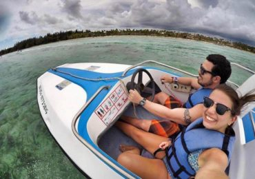 Speedboat tour